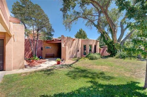 Photo of 3212 Calle De Estella NW, Albuquerque, NM 87104 (MLS # 976717)