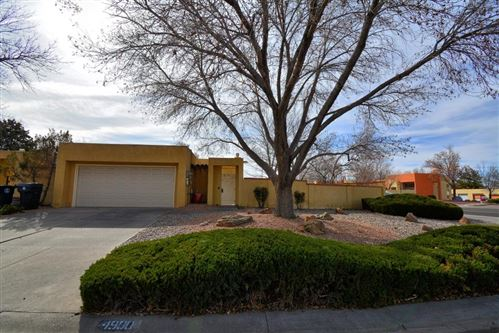 Photo of 4900 CASA DEL OSO NE, Albuquerque, NM 87111 (MLS # 964722)