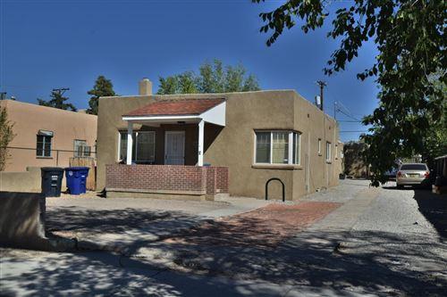 Photo of 306 Stanford Drive SE, Albuquerque, NM 87106 (MLS # 979727)