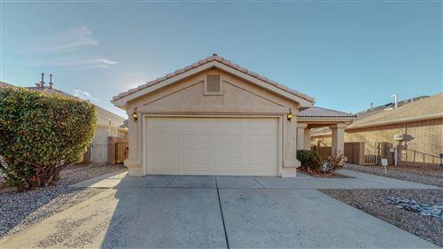 Photo of 8303 San Tesoro Street NE, Albuquerque, NM 87113 (MLS # 986728)