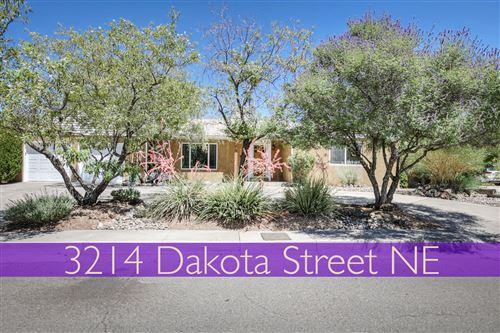 Photo of 3214 Dakota Street NE, Albuquerque, NM 87110 (MLS # 971730)