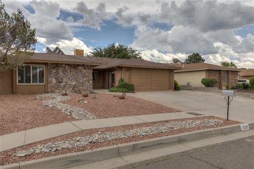 Photo of 1220 HIAWATHA Drive NE, Albuquerque, NM 87112 (MLS # 996731)