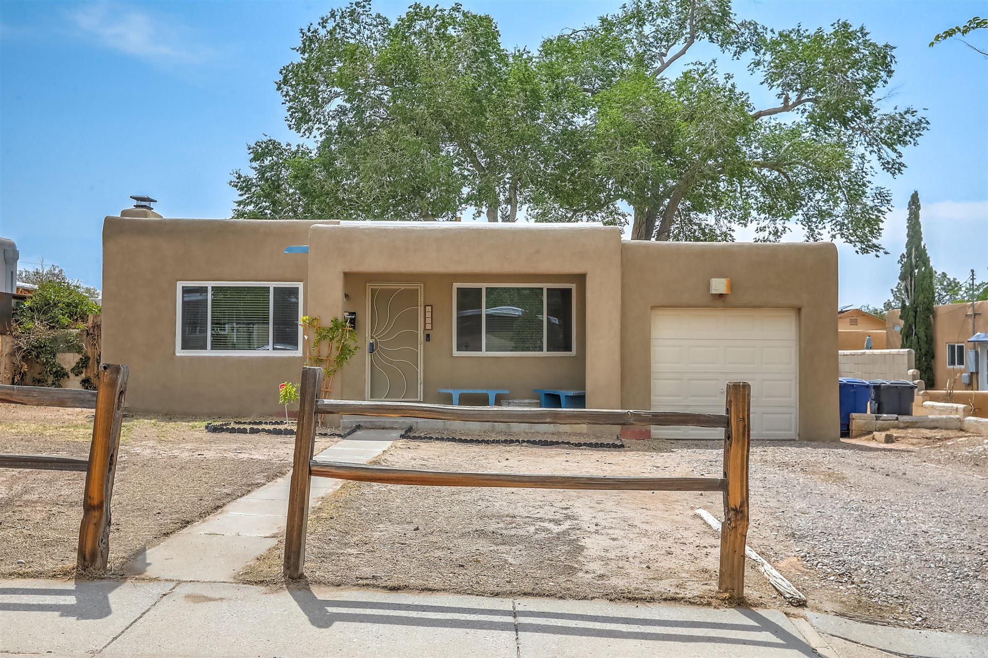 Photo of 1205 VASSAR Drive SE, Albuquerque, NM 87106 (MLS # 994734)