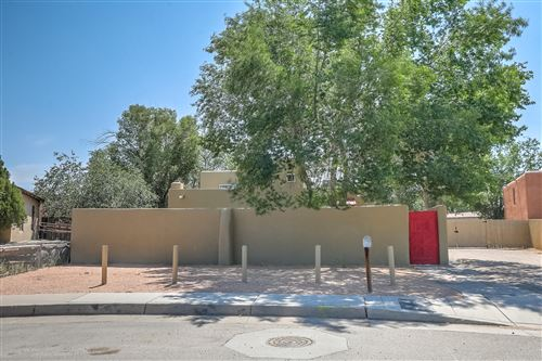 Photo of 2454 ROSE Avenue NW, Albuquerque, NM 87104 (MLS # 996735)
