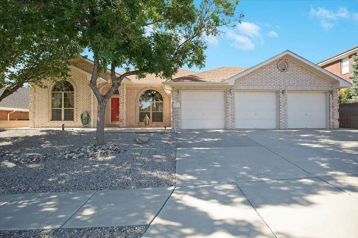 4616 WAYNESBORO Place NW, Albuquerque, NM 87120 - MLS#: 996737
