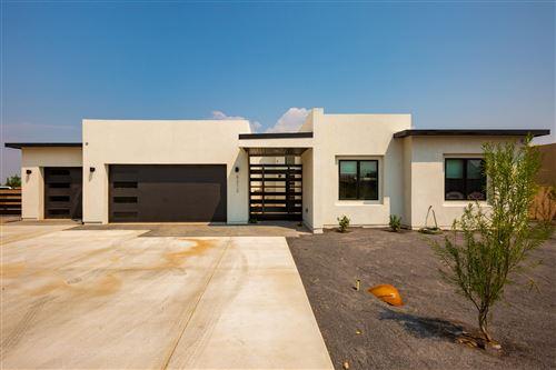 Photo of 7920 VICTORIA Drive NW, Albuquerque, NM 87120 (MLS # 975740)