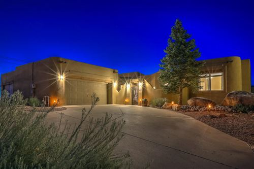 Photo of 8210 INDIGO Court NE, Albuquerque, NM 87122 (MLS # 971743)