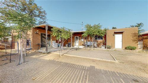 Photo of 1625 UTAH Street NE, Albuquerque, NM 87110 (MLS # 980743)