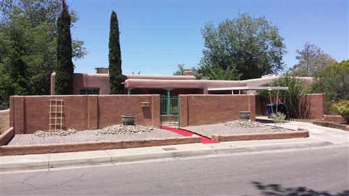 Photo of 325 LAGUAYRA Drive NE, Albuquerque, NM 87108 (MLS # 986751)