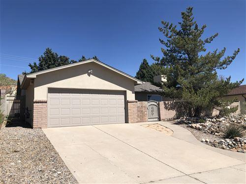 Photo of 228 MONTE LARGO Drive NE, Albuquerque, NM 87123 (MLS # 991751)