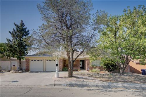 Photo of 11316 MOROCCO Road NE, Albuquerque, NM 87111 (MLS # 994752)