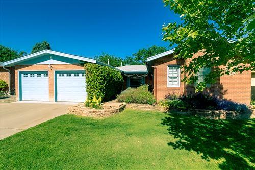 Photo of 1825 Morningside Drive NE, Albuquerque, NM 87110 (MLS # 989759)