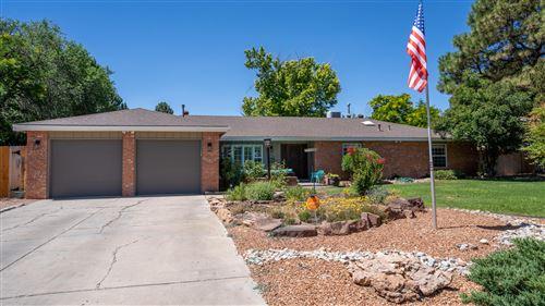 Photo of 2116 DIETZ Place NW, Albuquerque, NM 87107 (MLS # 973763)