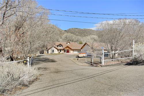 Photo of 20 A Silver Hills Road SE, Albuquerque, NM 87123 (MLS # 963765)