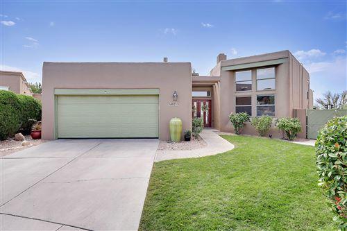 Photo of 6901 Borg Road NE, Albuquerque, NM 87111 (MLS # 977765)