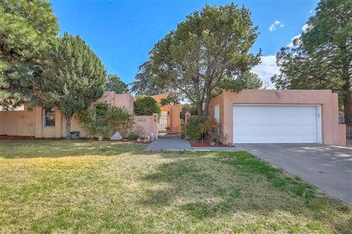 Photo of 7004 OSUNA Road NE, Albuquerque, NM 87109 (MLS # 989766)