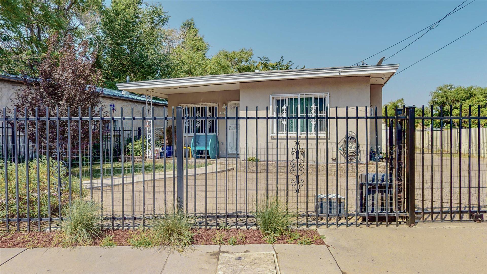 Photo of 1325 BARELAS Road SW, Albuquerque, NM 87102 (MLS # 993767)