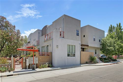 Photo of 216 ALISO Drive SE, Albuquerque, NM 87108 (MLS # 989770)