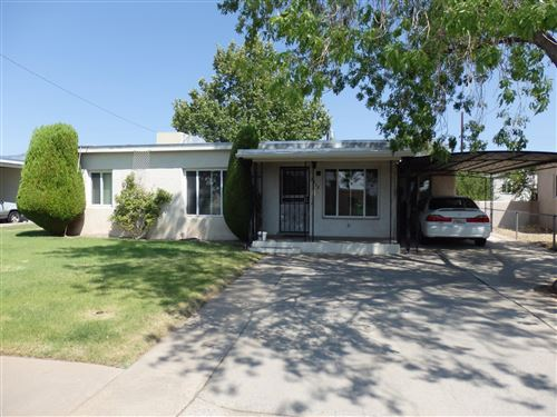 Photo of 2718 MONROE Street NE, Albuquerque, NM 87110 (MLS # 977771)