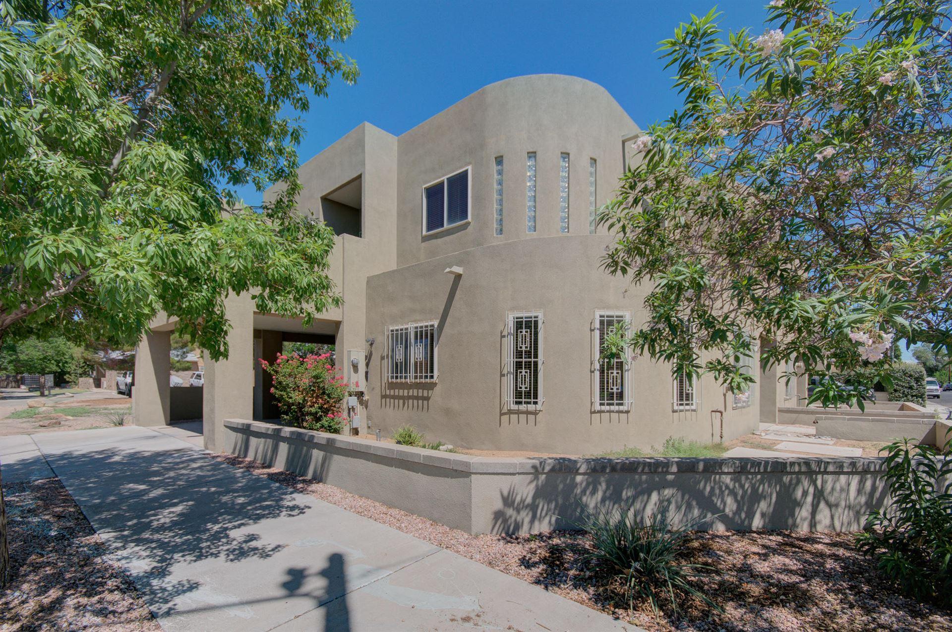 Photo of 315 11TH Street SW, Albuquerque, NM 87102 (MLS # 997774)