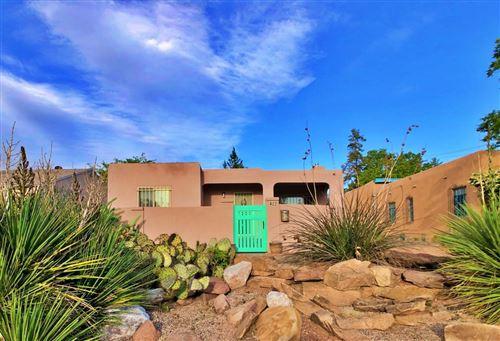 Photo of 422 Carlisle Boulevard SE, Albuquerque, NM 87106 (MLS # 991779)