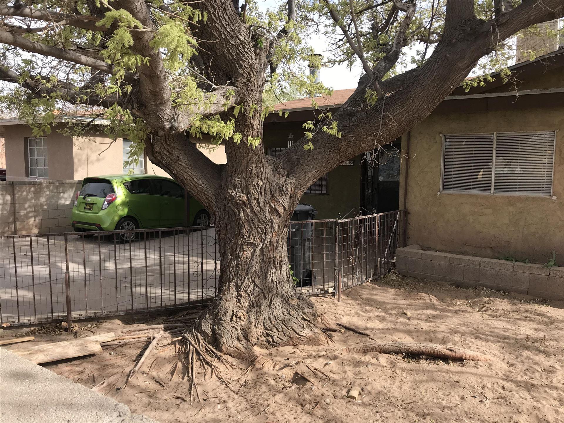 Photo of 1818 BYRON Avenue SW, Albuquerque, NM 87105 (MLS # 989782)