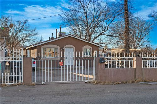 Photo of 2421 FRANZEN Road SW, Albuquerque, NM 87105 (MLS # 981783)