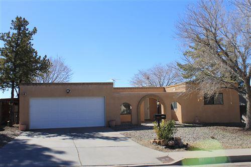 Photo of 11304 NASSAU Drive NE, Albuquerque, NM 87111 (MLS # 986784)