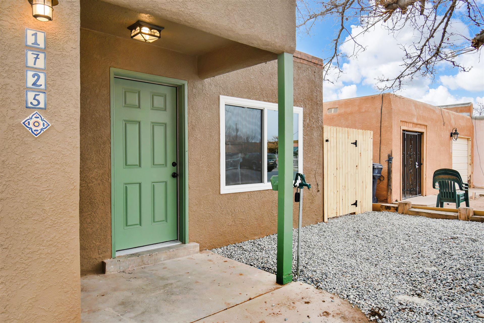 Photo of 1725 SIRIUS Avenue SW, Albuquerque, NM 87105 (MLS # 985784)
