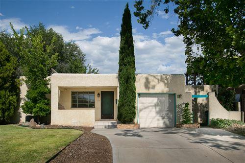 Photo of 324 LAGUAYRA Drive NE, Albuquerque, NM 87108 (MLS # 971786)