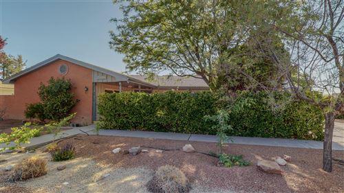 Photo of 7124 KIOWA Avenue NE, Albuquerque, NM 87110 (MLS # 991788)