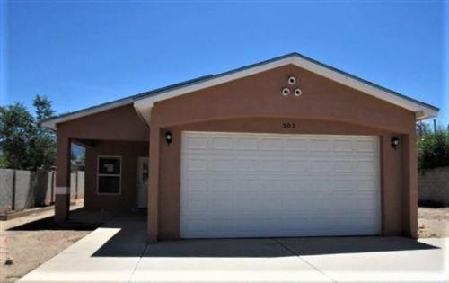 Photo of 302 Tennessee Street NE, Albuquerque, NM 87108 (MLS # 971791)