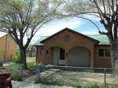 Photo of 1409 8TH Street NW, Albuquerque, NM 87102 (MLS # 965794)