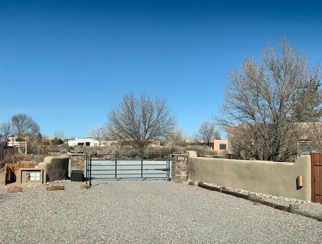 Photo of 121 DOOLITTLE Road, Corrales, NM 87048 (MLS # 990794)
