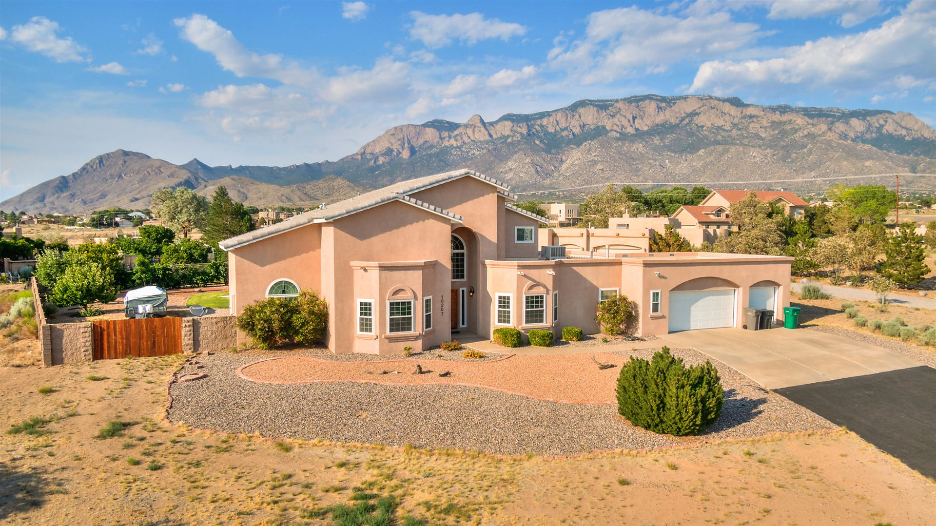 Photo of 10207 CORONA Avenue NE, Albuquerque, NM 87122 (MLS # 994794)