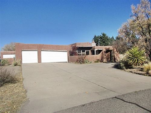 Photo of 209 LAS COLINAS Lane NE, Albuquerque, NM 87113 (MLS # 981797)