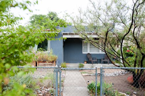 Photo of 808 Forrester Avenue NW, Albuquerque, NM 87102 (MLS # 989799)