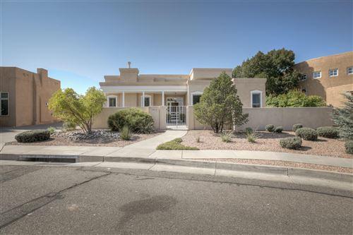 Photo of 1823 AVENIDA ALTURAS NE, Albuquerque, NM 87110 (MLS # 978806)