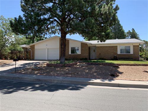 Photo of 4012 TARA Drive NE, Albuquerque, NM 87111 (MLS # 970811)