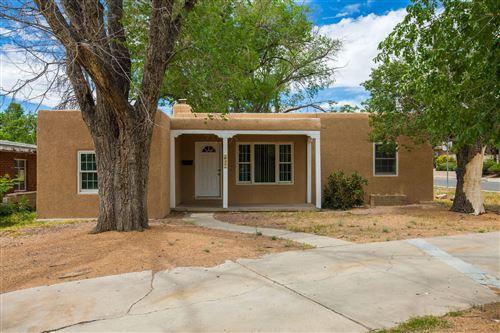 Photo of 837 ADAMS Street NE, Albuquerque, NM 87110 (MLS # 993812)