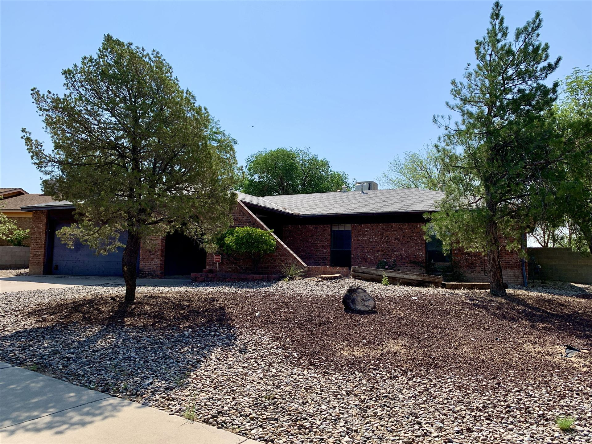 Photo of 7200 MOJAVE Street NW, Albuquerque, NM 87120 (MLS # 994813)