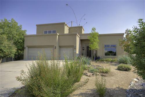 Photo of 5604 Mariola Place NE, Albuquerque, NM 87111 (MLS # 975815)