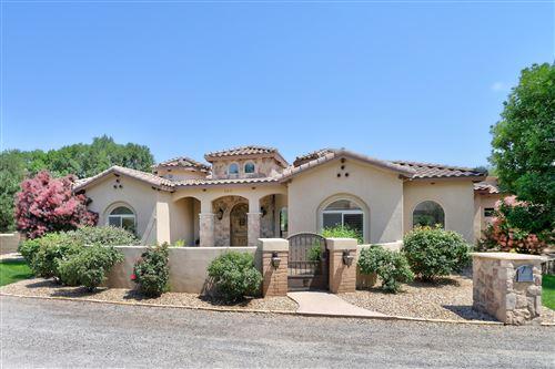Photo of 507 MARYS Way NW, Los Ranchos, NM 87107 (MLS # 994815)