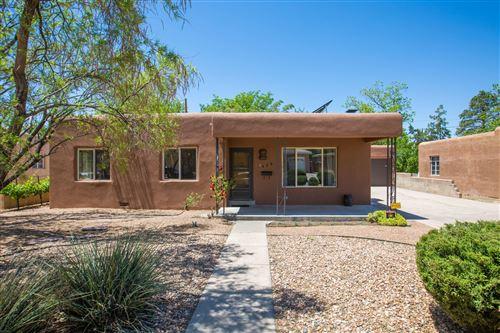 Photo of 429 FONTANA Place NE, Albuquerque, NM 87108 (MLS # 991816)