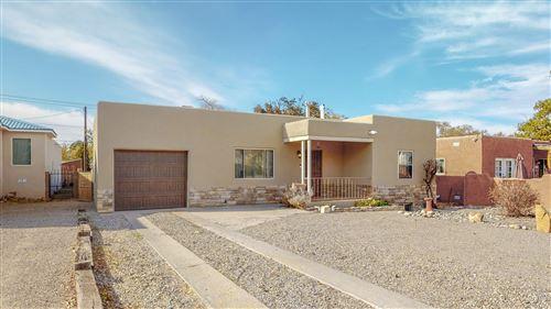 Photo of 415 AMHERST Drive SE, Albuquerque, NM 87106 (MLS # 980825)