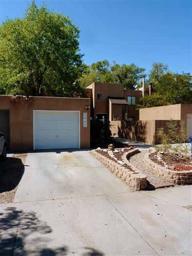 Photo of 5447 6TH Street NW, Albuquerque, NM 87107 (MLS # 977826)
