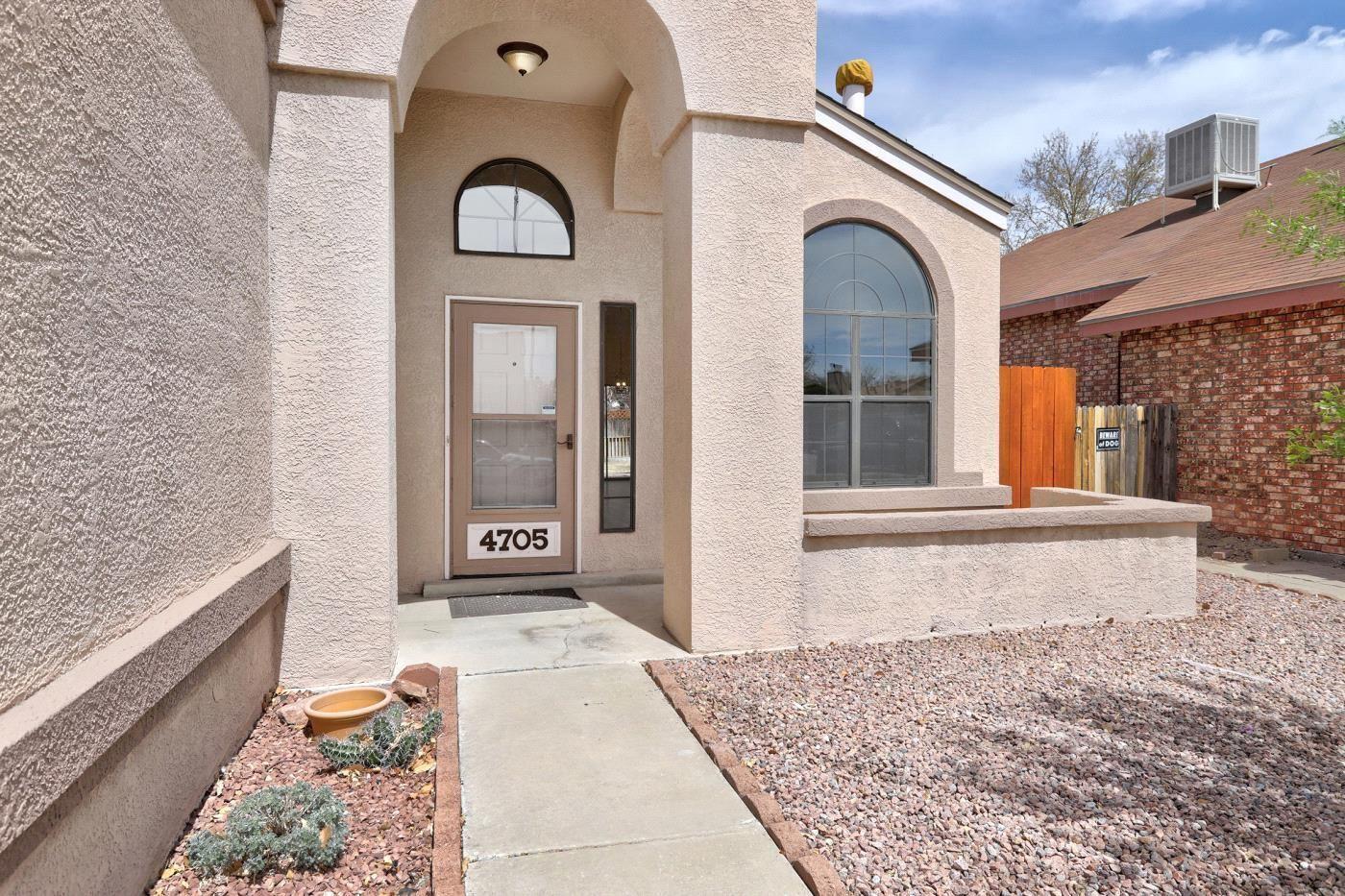 Photo of 4705 PLUME Road NW, Albuquerque, NM 87120 (MLS # 989826)