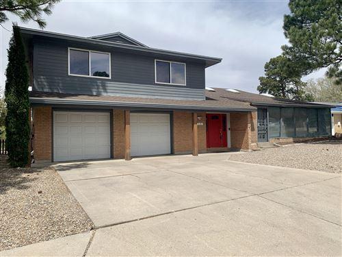 Photo of 7501 PICKARD Avenue NE, Albuquerque, NM 87110 (MLS # 989831)