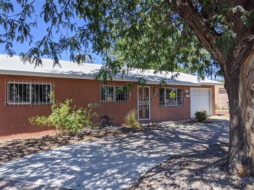 Photo of 3707 COMANCHE Road NE, Albuquerque, NM 87110 (MLS # 973833)