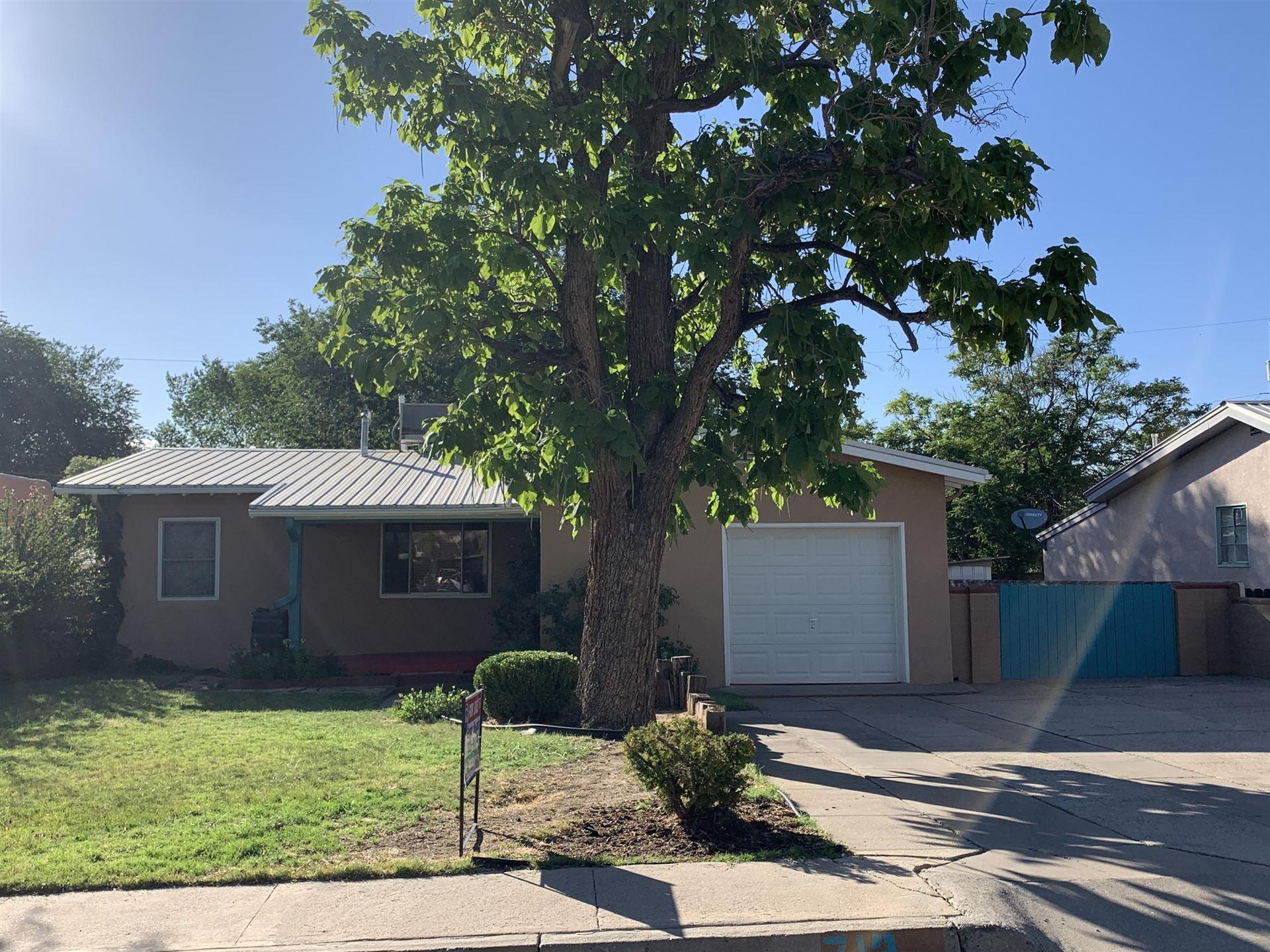 Photo of 713 VAN BUREN Place SE, Albuquerque, NM 87108 (MLS # 971834)